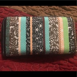 Wallet Loveshe. NEW, zipper is smooth